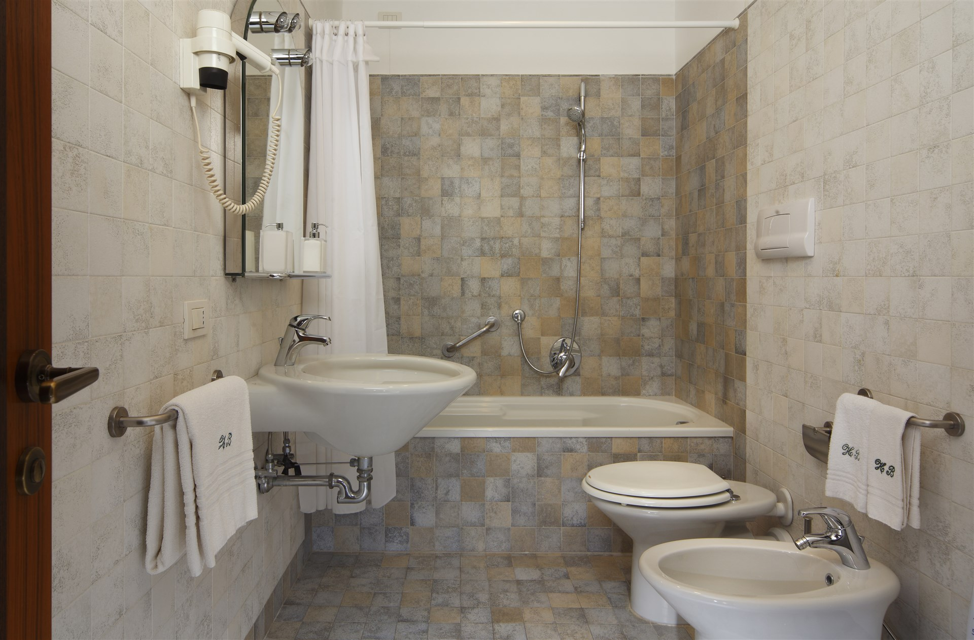 07-The-bathroom-is-supplied-with-bath-tub-and-shower-together-with-hairdryer